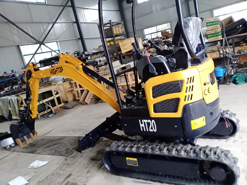 HT20 small mini excavator sent to the UK